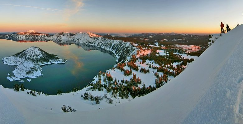 Snowshoeing at crater lake is an incredible outdoor experience. Photo via Pixabay