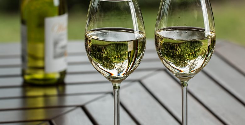The best Southern Oregon wine is viognier. The wine industry is thriving in Southern Oregon. | Jennifer Margulis