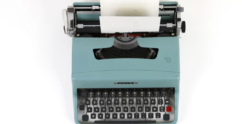 Peter Ferry will lead a 2-hour fiction writing workshop at Southern Oregon University. Photo of a teal typewriter courtesy of Luca Onniboni. | Jennifer Margulis, Ph.D.