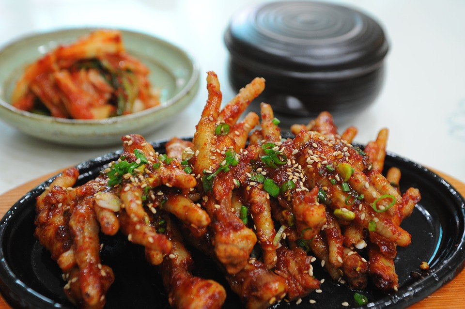 I ate chicken feet. What about you? Would you dare to eat chicken feet?