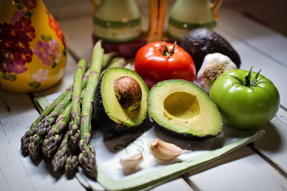 Kids need to eat healthy fats, like avocados, olives, and olive oil. Snack food should be real food, not processed, packaged junk. Via Jennifer Margulis, Ph.D.