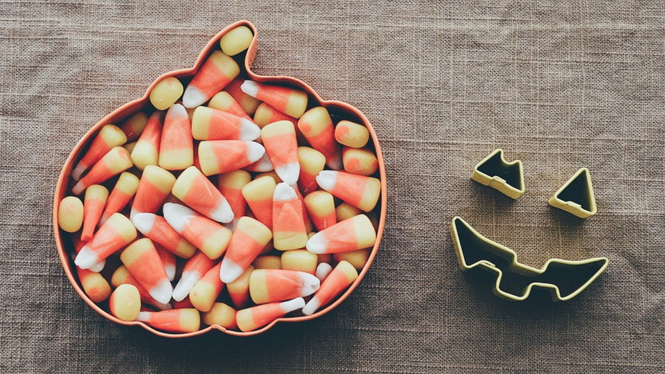 Halloween is such a fun holiday. But how, oh how, do you deal with all the candy? Here are some great ideas. Via Jennifer Margulis, Ph.D.
