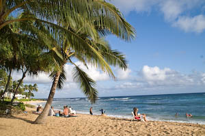 A gorgeous beach in Hawaii. How to make family travel easier and more enjoyable for the whole family