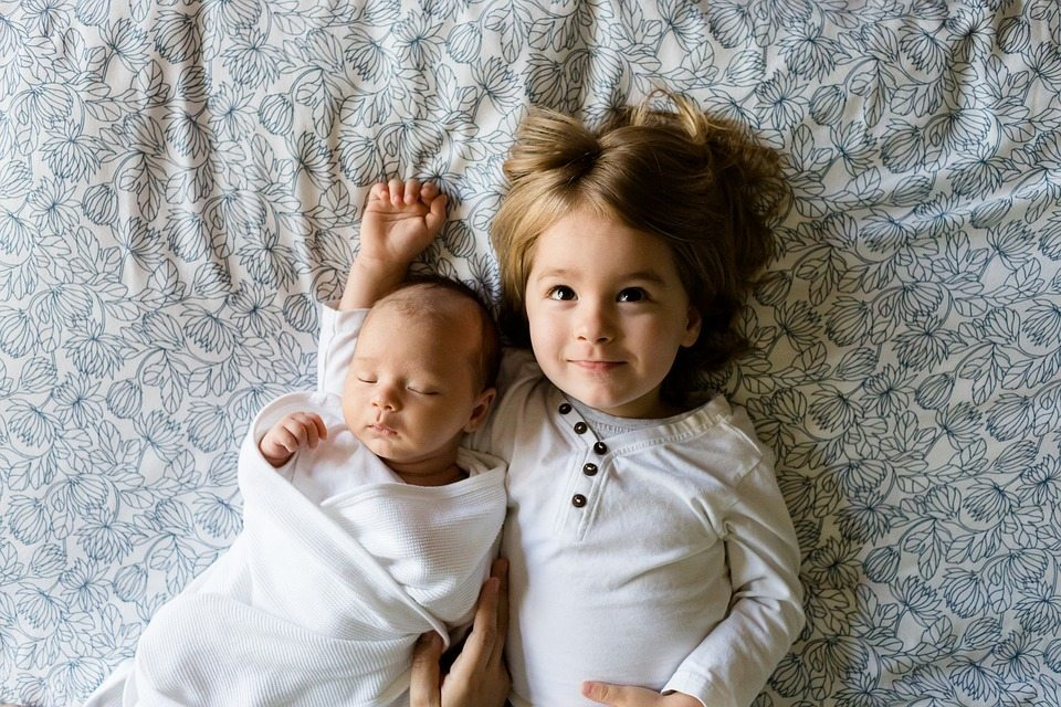 Human infants should not sleep alone. Their brains are hardwired to sleep in skin-to-skin contact with other humans, according to Nils Bergman, MD.