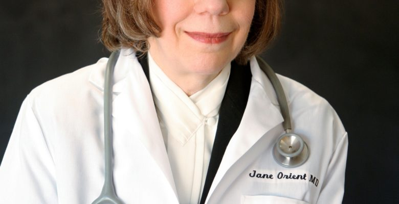 Jane Orient, M.D., is a Columbia-trained medical doctor. She recommends patients educate themselves about the necessity of the forthcoming COVID-19 vaccine. Via Jennifer Margulis, Ph.D.